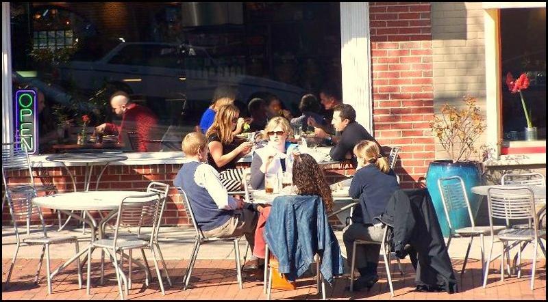 Mediterranean Deli - Sidewalk dining