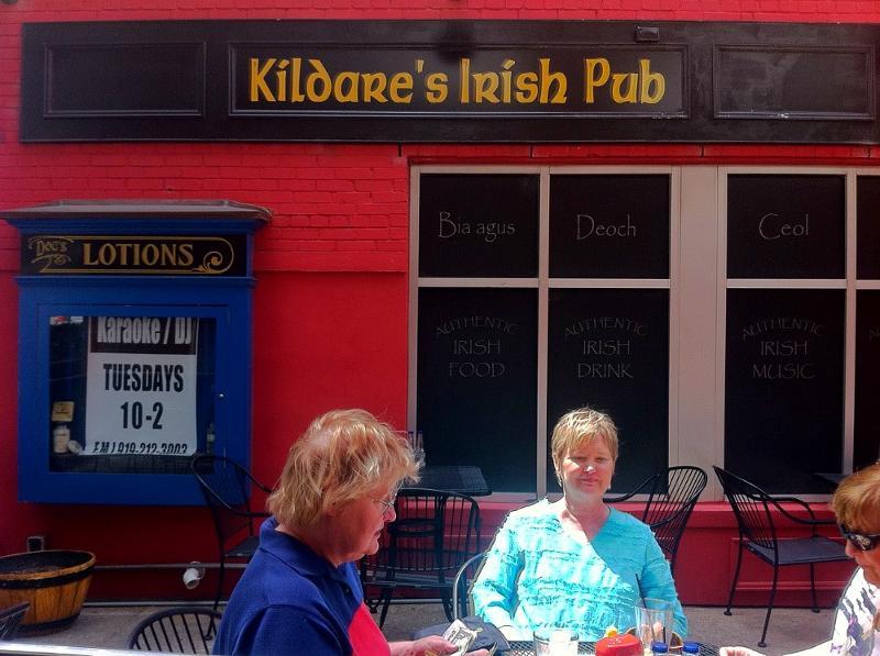 Kildare's Sidewalk Dining