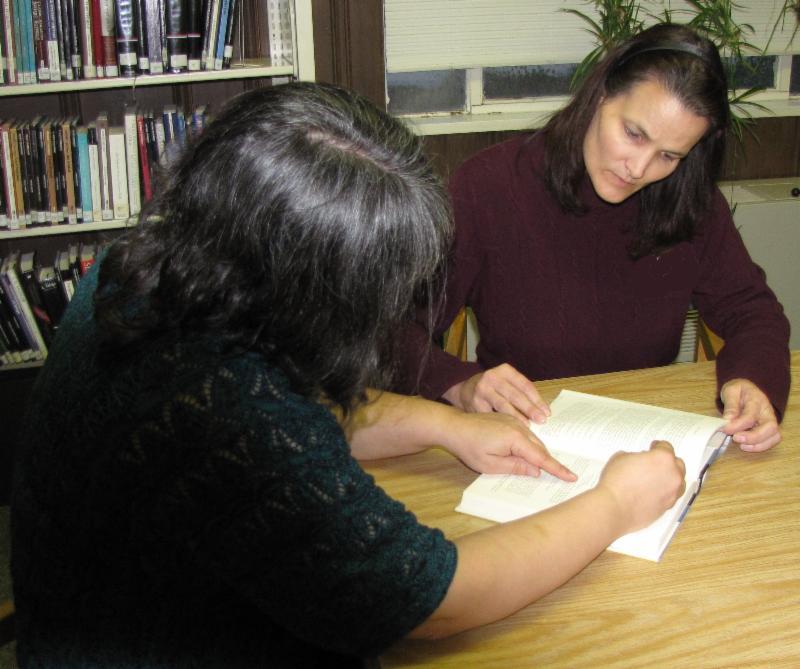 two ladies reading