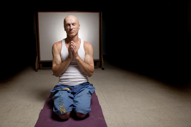 Yoga - Gino