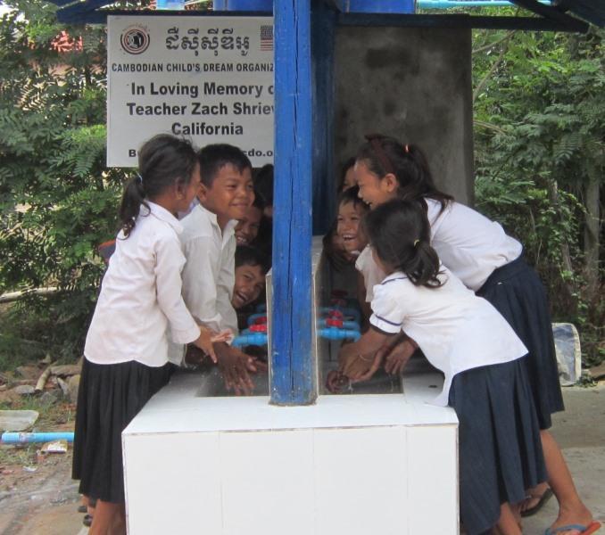 kids at kiri handwashing