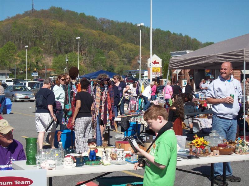 April 2014 Community Yard Sale