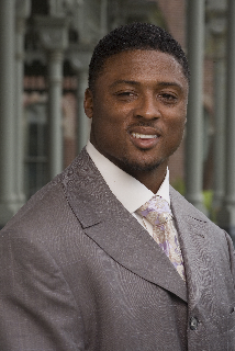 Warrick Dunn, will be honored as the 2010 Heisman Humanitarian Recipient at the 76th Annual Heisman Memorial Trophy Dinner on December 13th in New York.