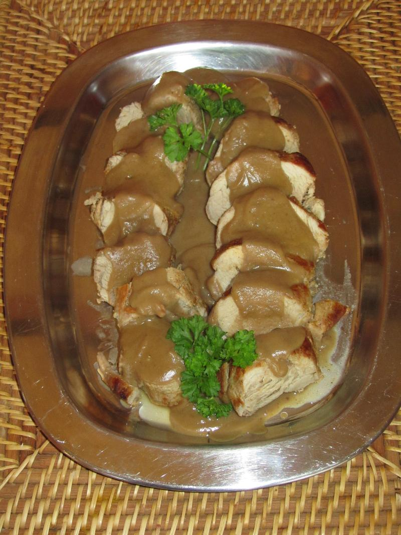 Pork fillet with hazelnut sauce