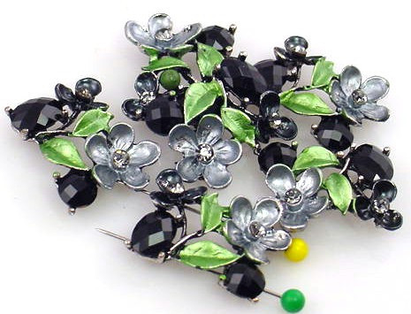 black_floral_beads