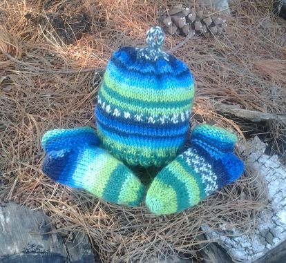 DK Weight Infant Hat & Socks