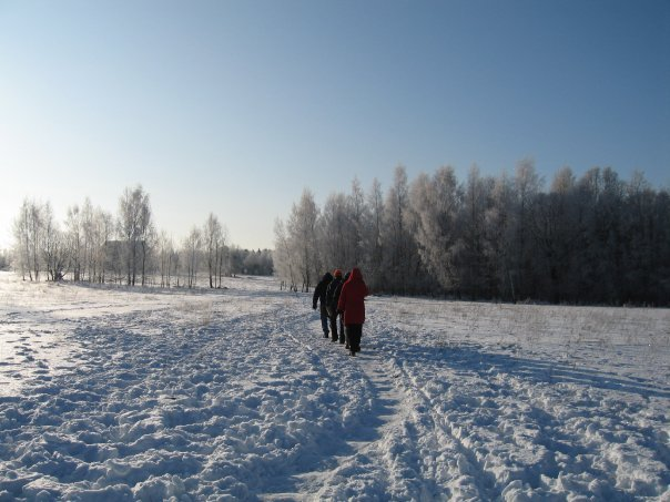 Belaruswalkingtothebarn