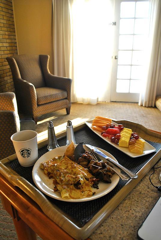 Room service_ La Posada