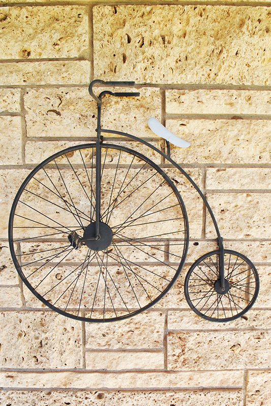 A sculpture depicting J. W. Murray's high-wheeled bicycle, Crosby County Pioneer Museum, Crosbyton