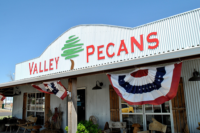 Valley Pecans, US 287