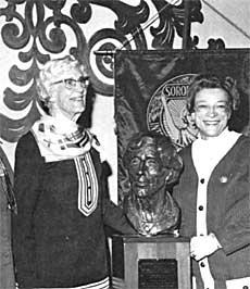 Violet Richardson bust