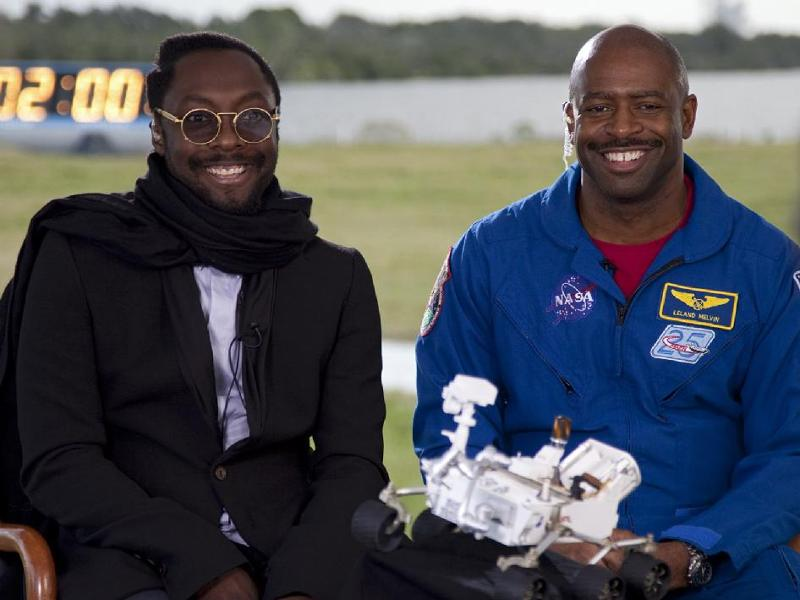 will.i.am and astronaut Leland Melvin