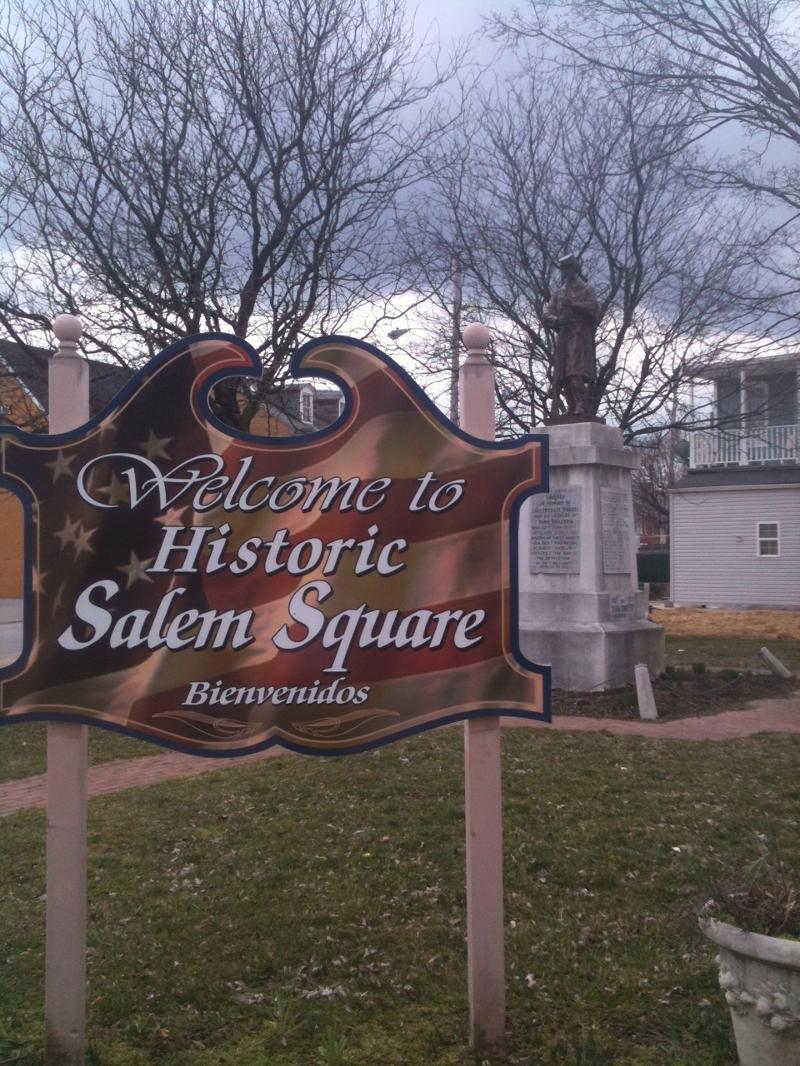 salem square sign