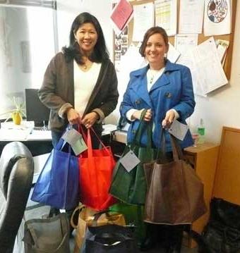 Girl Scout Troop leaders bring welcome bags to Pathways
