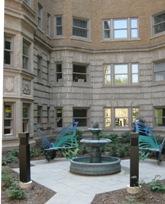 Park Lane Villa courtyard