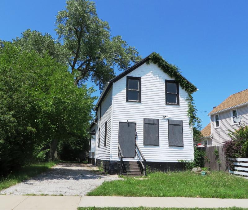 Thriving Communities survey house