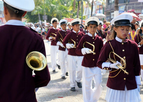 AW Dia Rev Parade