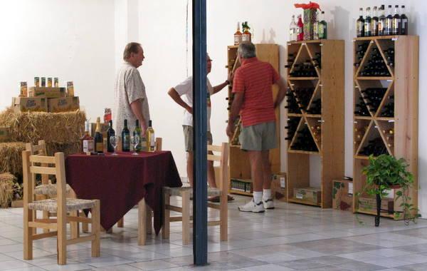 La Bodega Wine & Spirits