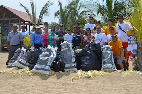 Clean the Beach Campaign, La Colonia