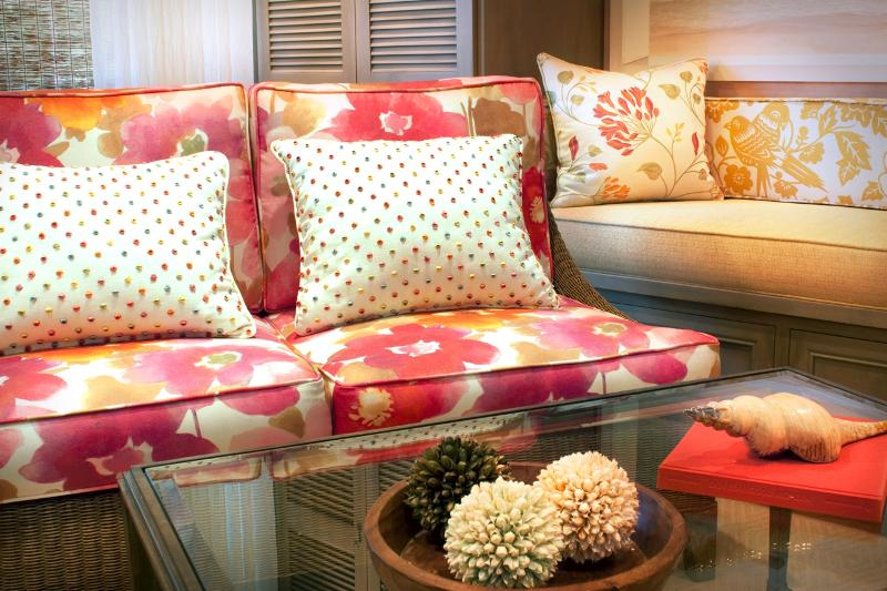 Living Room Settee