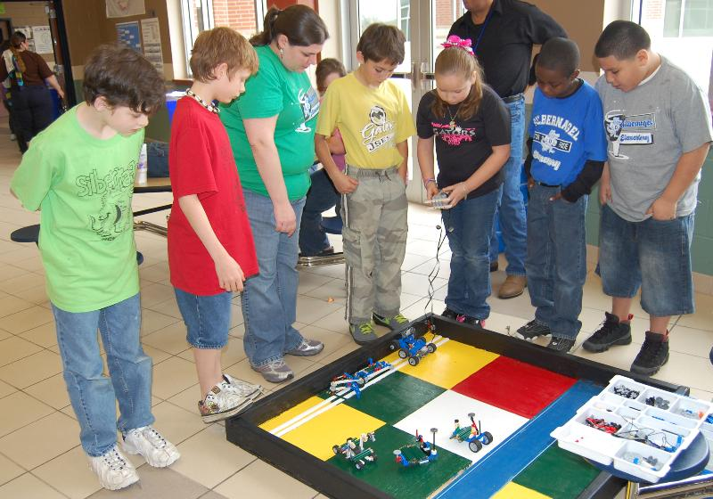 Barber Middle School : Robotics competition a success