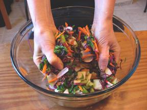squeezing salad