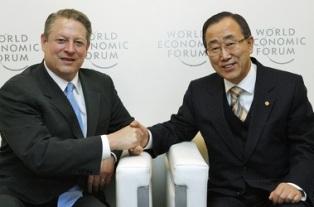 Secretary-General meets Al Gore in Switzerland on Jan. 30, 2009.