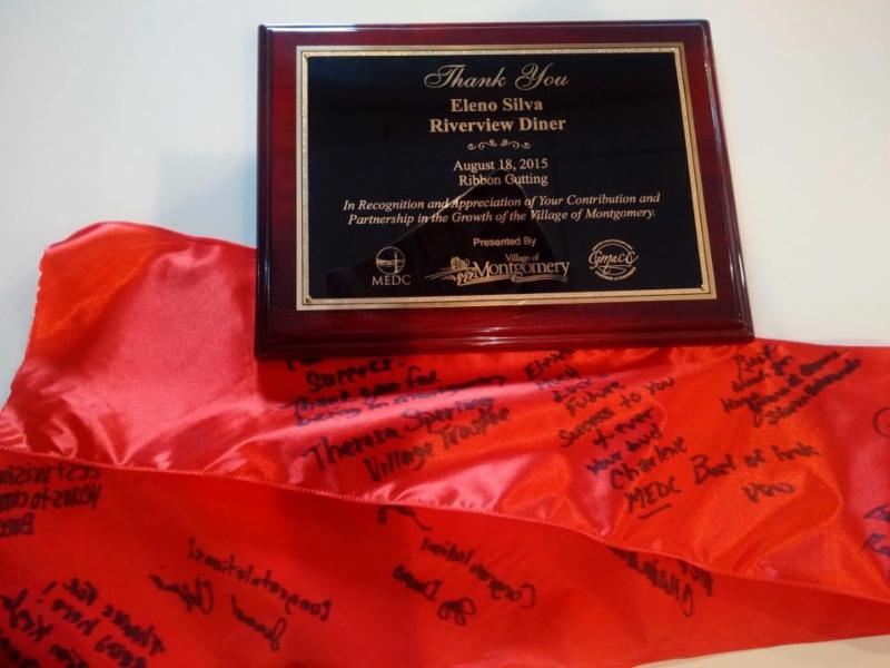 Plaque and ribbon to Riverview