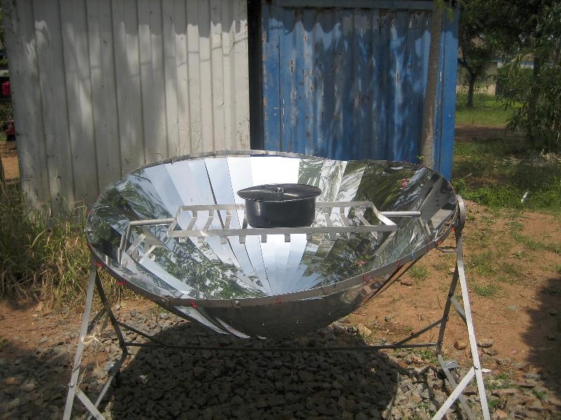 Solar cooking with a parabolic cooker