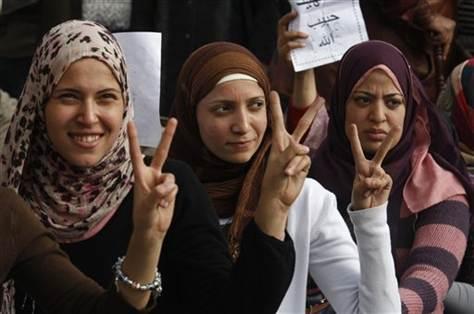 3 egyptian women