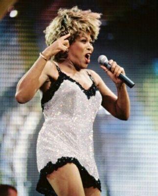 Tina dancing