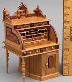 Miniature roll-top desk