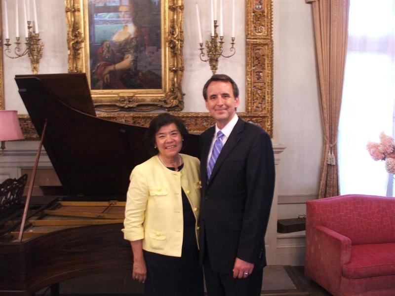 Gov. Pawlenty  with Karen Testerman