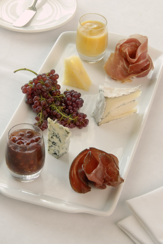 Vintner Grill Strip Assorted Cheese Plate