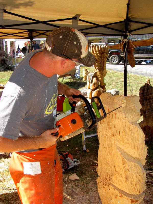 Summer sale christmas tree chainsaw carving carving of a tree