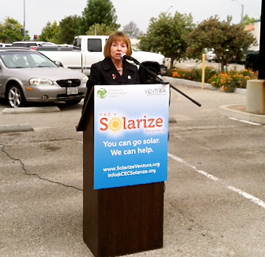 Mayor Cheryl Heitmann helps kick off the new Solarize Ventura program.