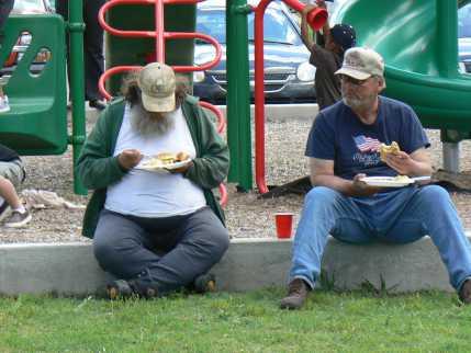 Bridge Park 2 men eating