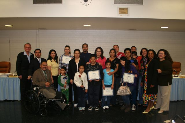 Lynwood families at council meeting