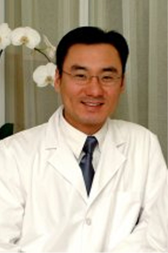 Dr. Sang Lee