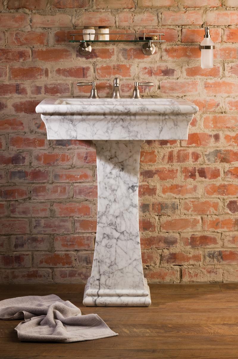 Medium Bordeaux Pedestal