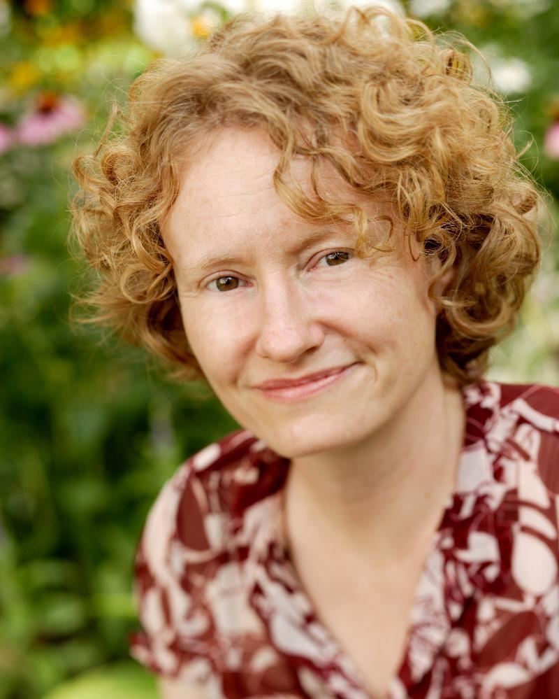 Author Amy Stewart