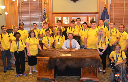 2014 KSYLF delegates with Governor