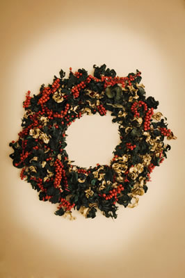 holly-berry-wreath.jpg