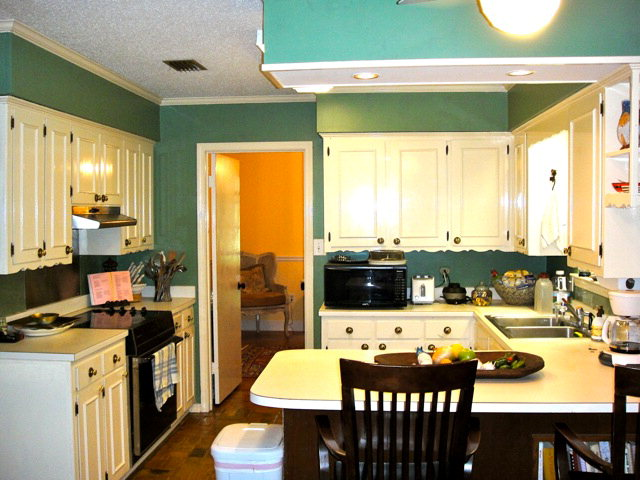 22524 Main Street Fairhope Al Kitchen Area
