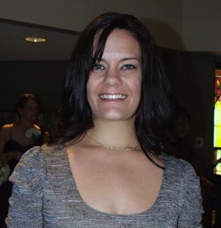 Felicity Metzler Headshot