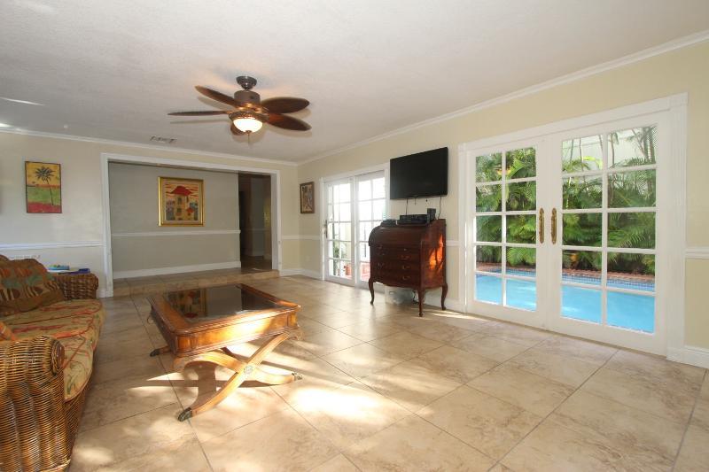 2200 Overbrook Interior