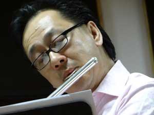 Photo of master flutist Joel Tse