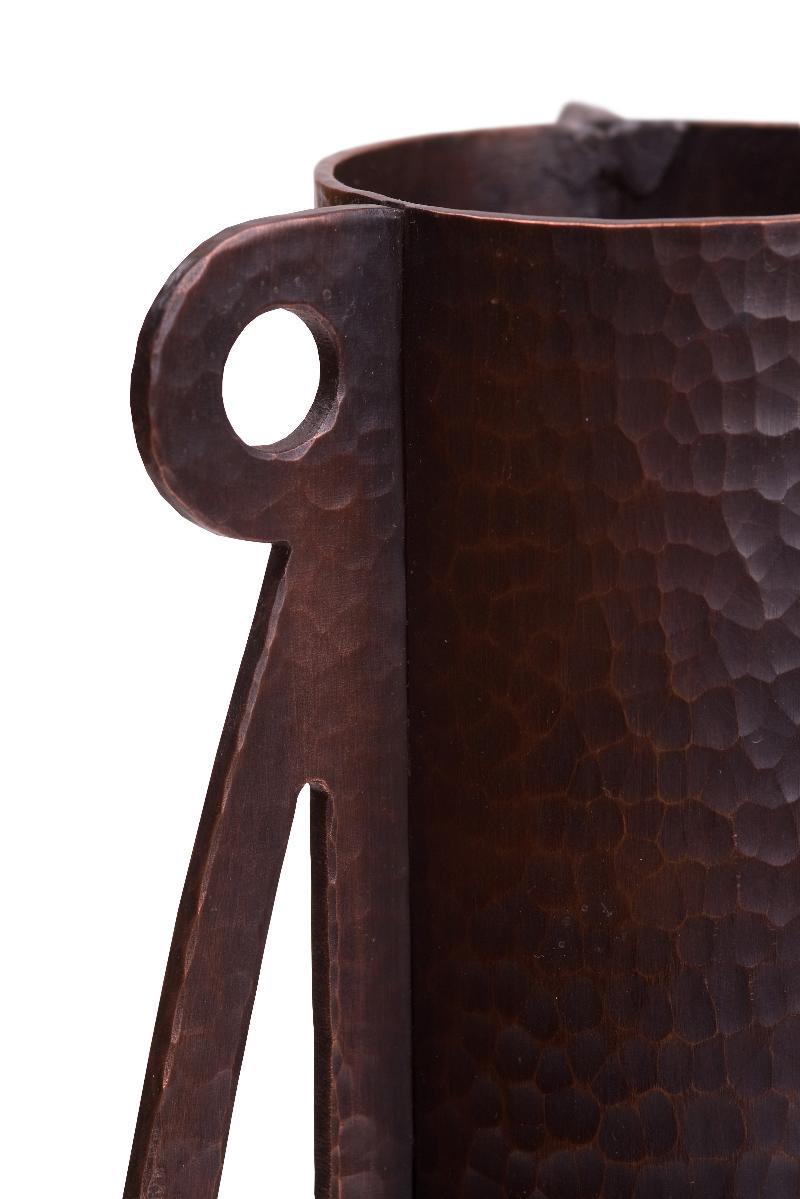 Dea Lunaris Vase detail