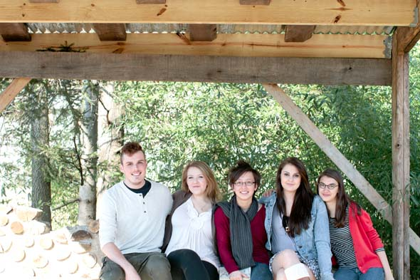 Students (L-R) Alexander Schlosser, Emmalyn Gilruth, Kijin Higashibaba, Sara Goldstein, and Cleo Van der Veen under the newly constructed Tea House next to the Antioch Farm. (Photo by Carly Short)
