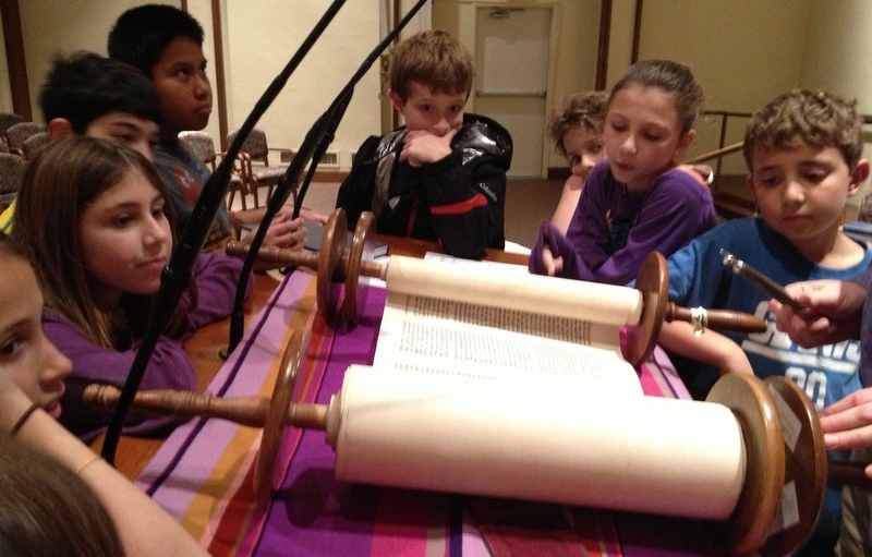 Fourth Graders study Torah